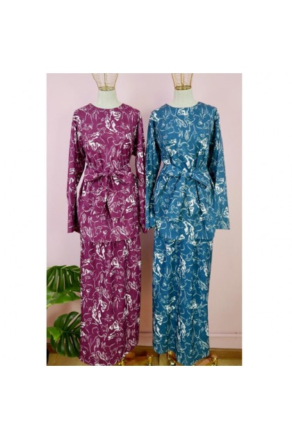 AMOREE Floral Stretchable Muslimah Skirt  Fit  36 ~ 47 ( 30065-3 )
